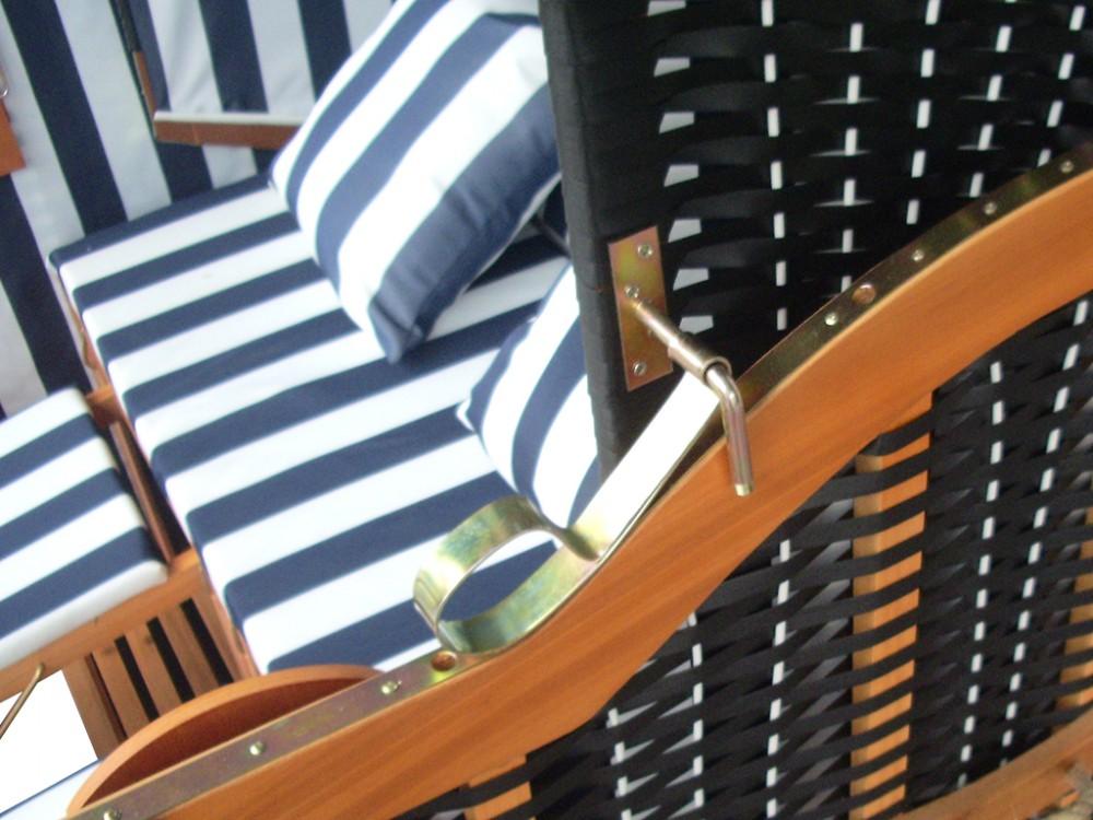 strandkorb ostsee blau schwarz kaufen inkl schutzh lle ostsee strandkorb. Black Bedroom Furniture Sets. Home Design Ideas